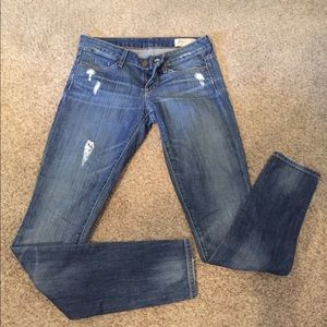 Limited edition Gap distressed skinny jeans size 0